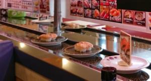 はま寿司のお寿司にはフタやカバーが付いていないので、衛生面が気になる人もいるかも(2019年撮影)